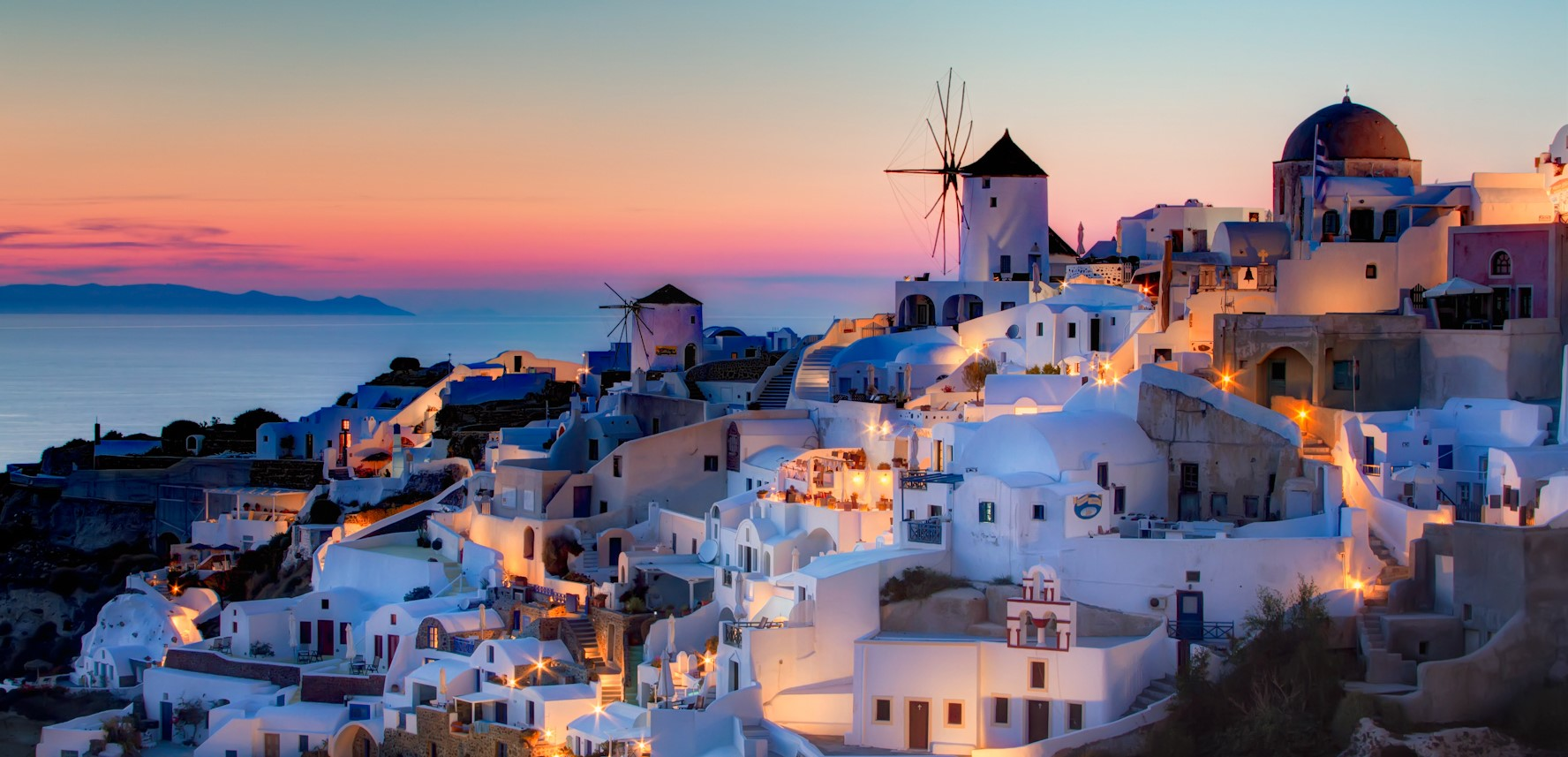 Oia Santorini sunset Wikimedia Commons res